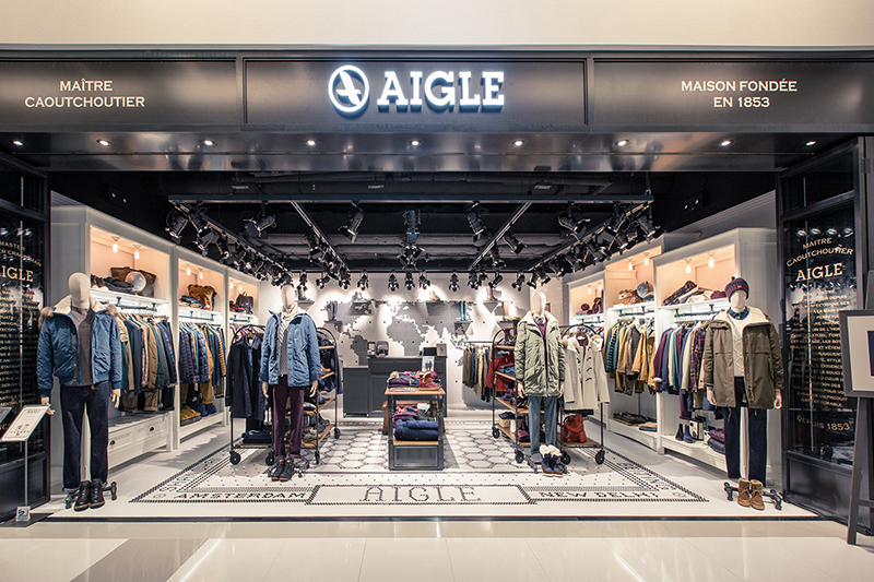 AIGLE's first Globe-Trotter concept store Opened!