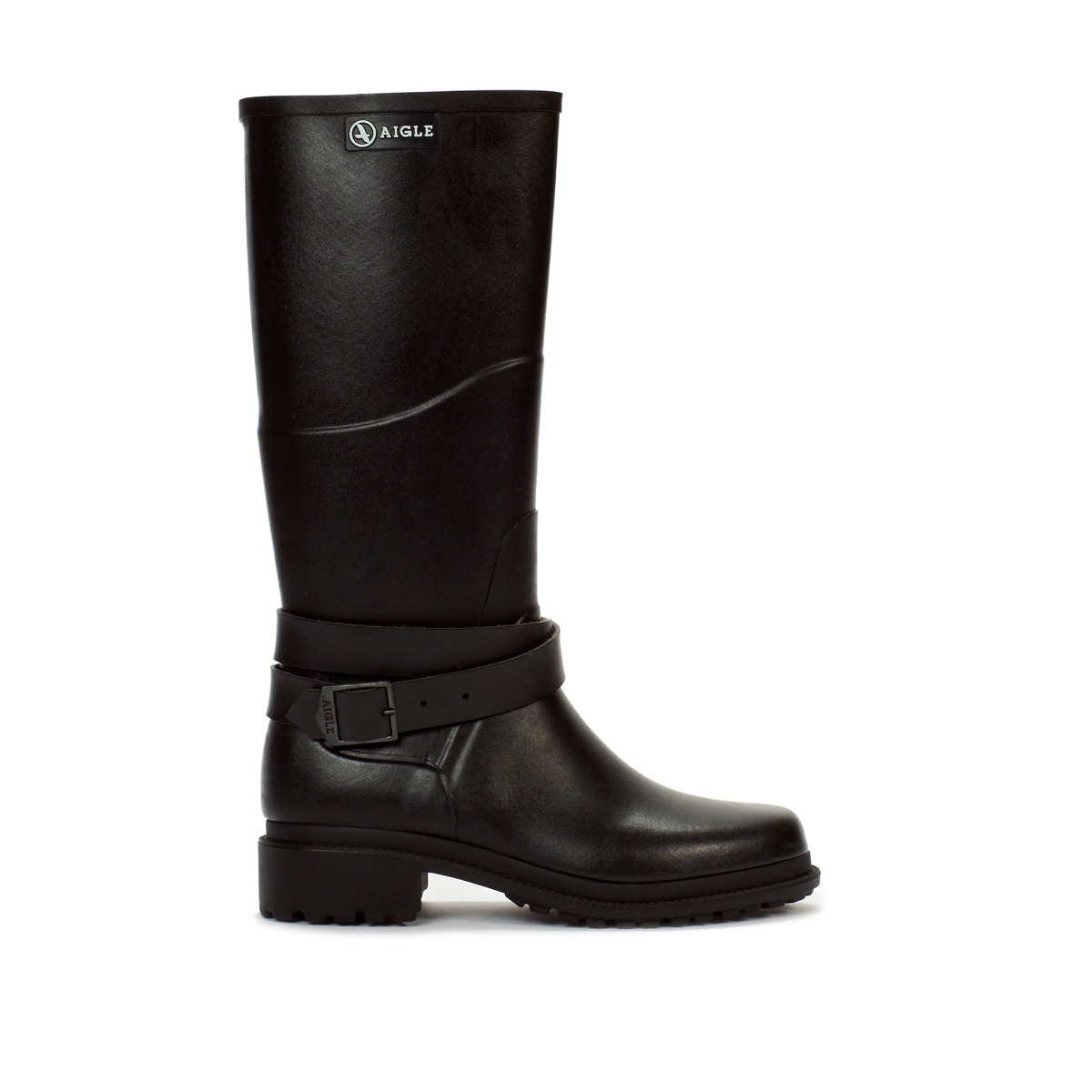 ... to personal style, MACADAMES is available in different length for all  types of occasions and weather: high boots, mid-high boots and ankle boots.